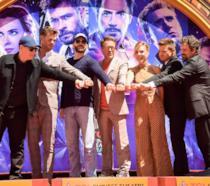 Gli attori di Avengers: Endgame con Kevin Feige
