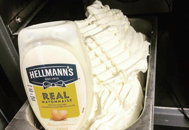 Il gelato al gusto di maionese