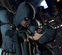 Batman salva Catwoman in una sequenza di Batman: Telltale Game Series