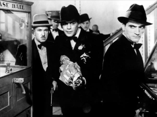 Una scena di Scarface diretto da Howard Hawks con Paul Muni