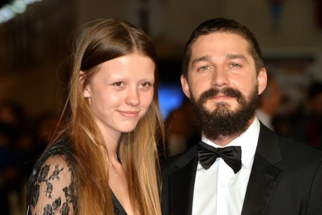 Shia LaBeouf e Mia Goth sul red carpet del BFI London Film Festival