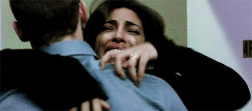 Alex Parrish in lacrime