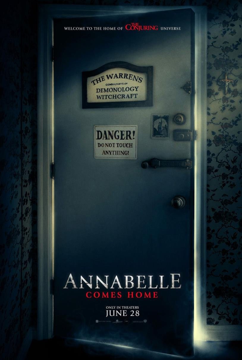Annabelle Comes Home, il poster