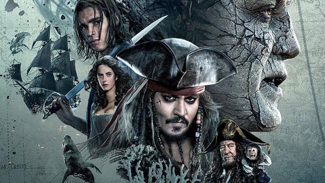 Jack Sparrow e soci in Pirati dei Caraibi - La Vendetta di Salazar