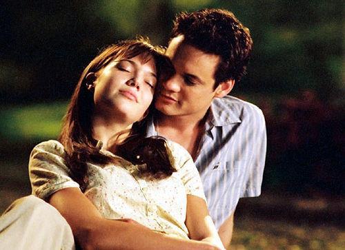 Mandy Moore e Shane West in una scena de I passi dell'amore
