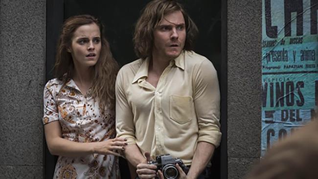 Emma Watson e Daniel Bruhl in una scena di Colonia, il nuovo film con Emma Watson