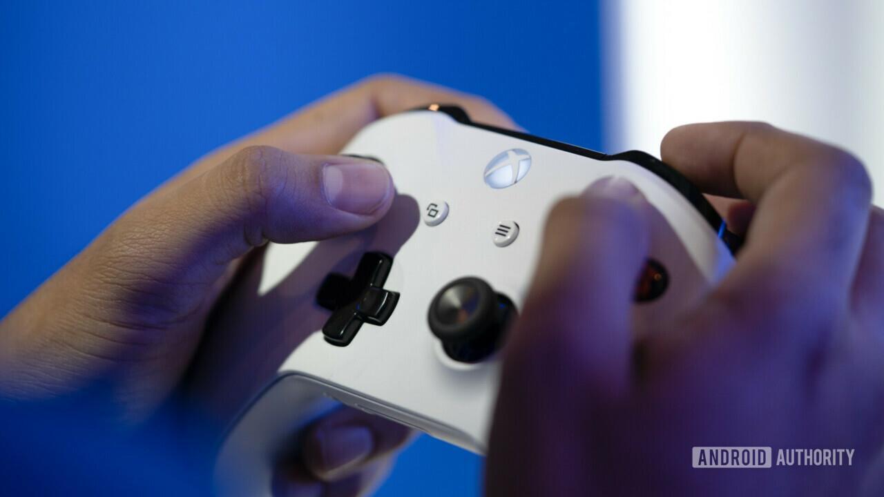Foto del controller Xbox One scattata al MWC2019