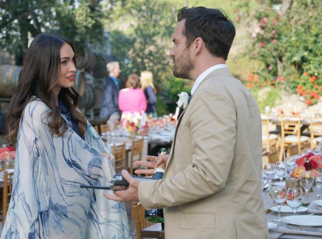 Megan Fox e Jake Johnson in una scena di New Girl