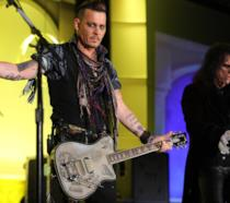 Johnny Depp sul palco con gli Hollywood Vampires