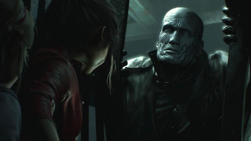 Claire e Sherry braccate dal Tyrant-00 in Resident Evil 2