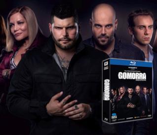 I protagoisti e la cover del cofanetto Blu-ray di Gomorra - La serie 3