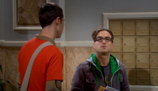 The Big Bang Theory stagione 1 episodio 10, Sheldon e Leonard tornano a casa parlando di Terminator