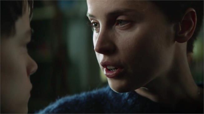 A Monster Calls, Felicity Jones appare nel nuovo trailer