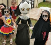 Lucia e i suoi amici alla festa