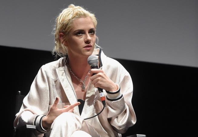 Kristen Stewart durante una conferenza stampa