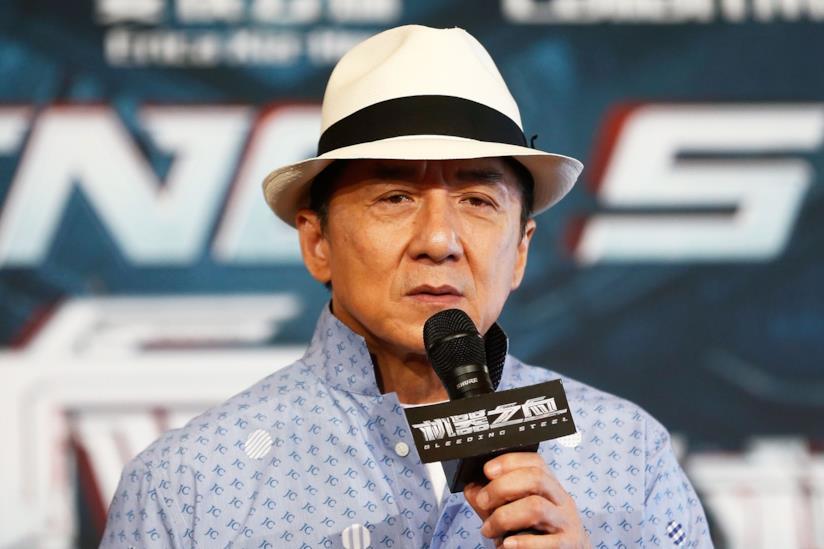 Jackie Chan durante un'intervista