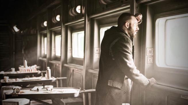 Una scena di Snowpiercer sul treno