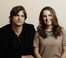 Primo piano di Natalie Portman e Ashton Kutcher
