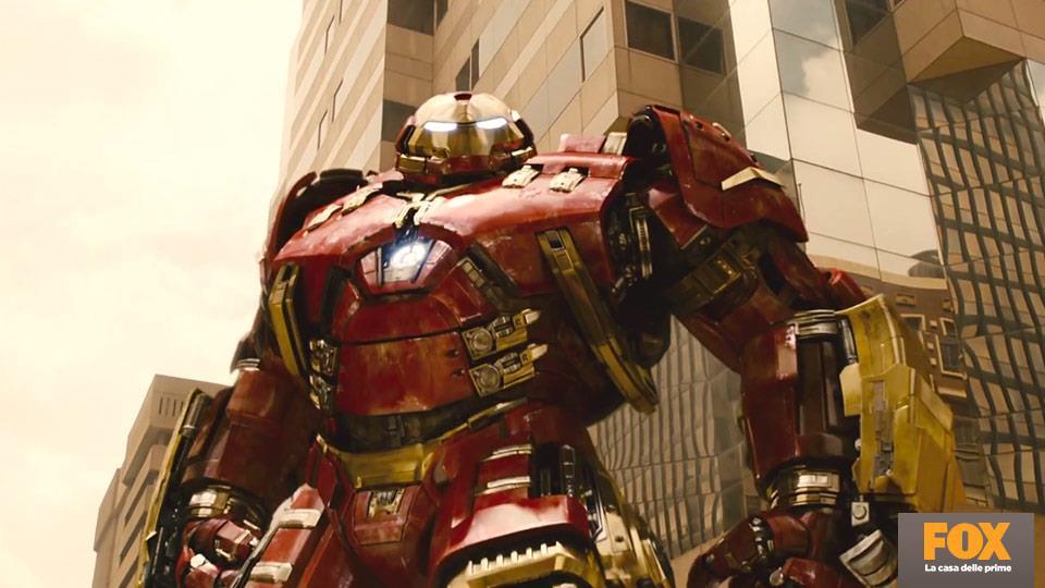 Iron Man indosserà per la prima volta l'armatura Hulkbuster, progettata insieme a Bruce Banner proprio per fronteggiare Hulk.