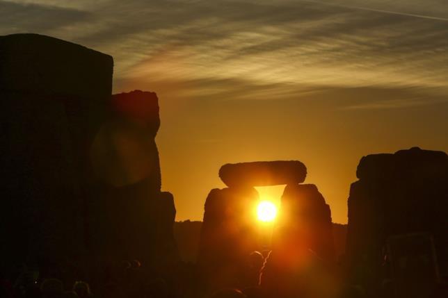 Foto scattata presso il complesso Stonehenge in occasione del Solstizio d'Inverno