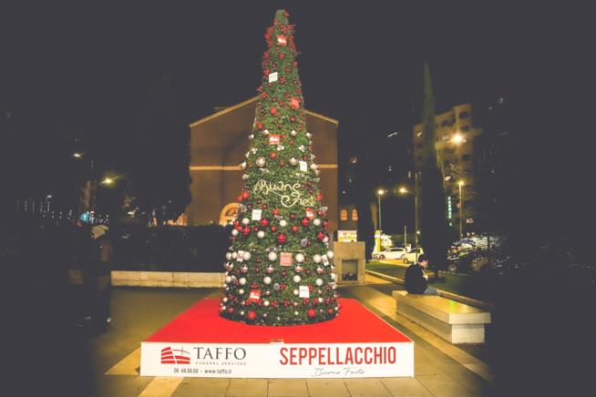 Seppellacchio, l'albero di Natale di Taffo a Roma