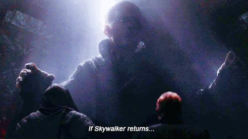 GIF di Snoke in Star Wars 7