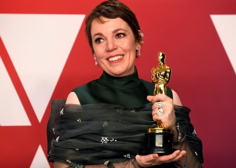 Olivia Colman con l'Oscar