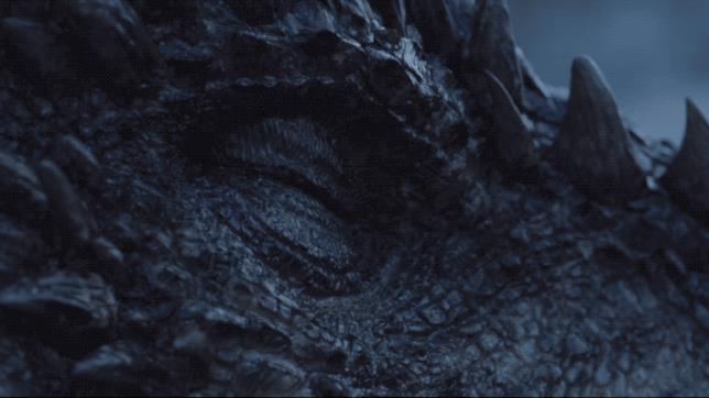 Un'immagine animata del ritorno del drago Viserion tra i vivi