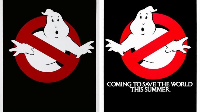 A sinistra il logo Ghostbusters originale Europeo, a destra quello americano