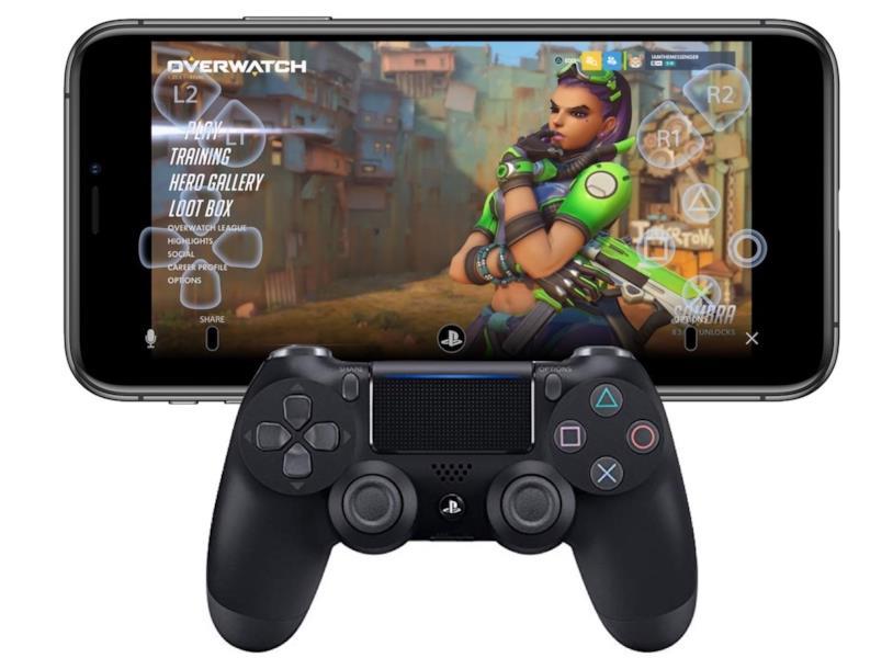 Un DualShock 4 abbinato ad un iPhone mentre esegue l'app PS4 Remote Play in esecuzione