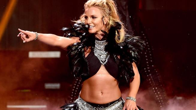 Britney Spears sul palco durante un concerto