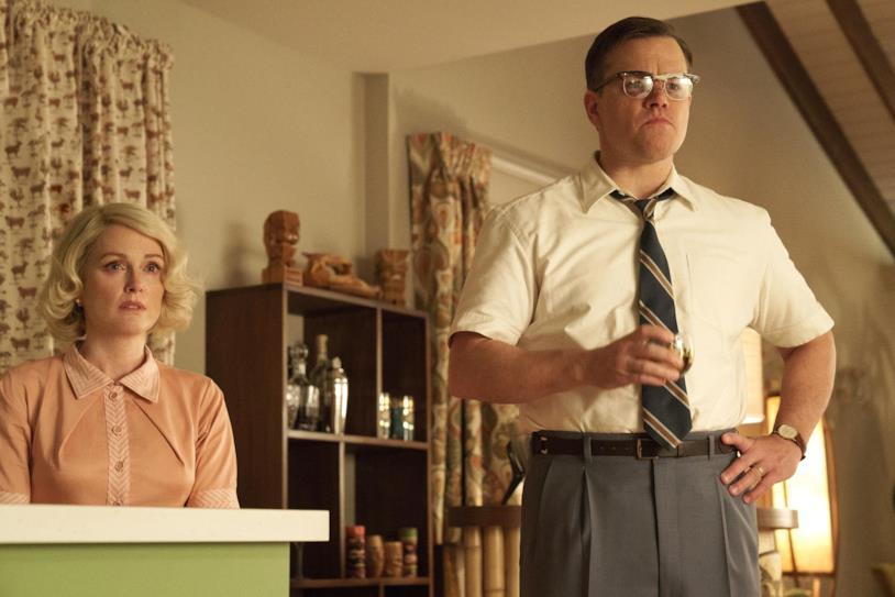 Julianne Moore e Matt Damon in una scena di Suburbicon