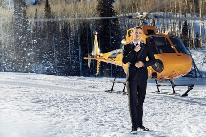 Matthew Gray Gubler è un vero sex symbol alla guida di un elicottero