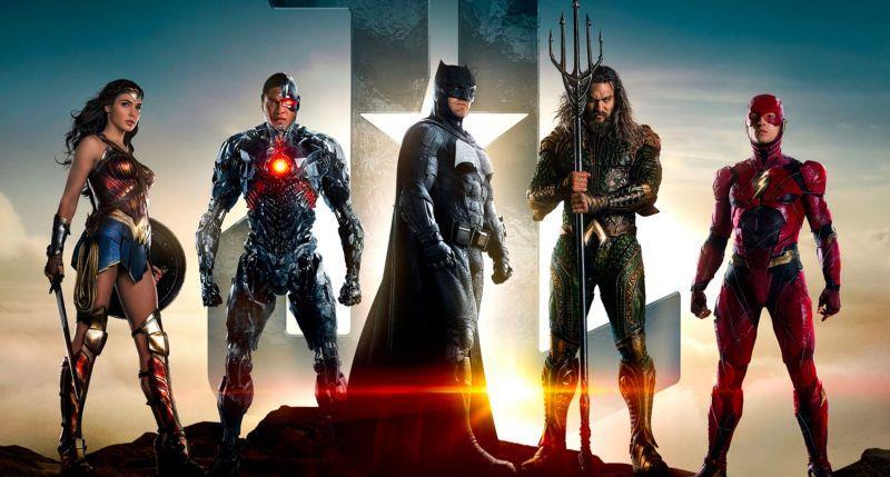 Locandina raffigurante i personaggi principali di Justice League