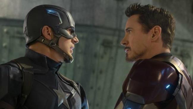 Captain America e Iron Man in una scena di Civil War
