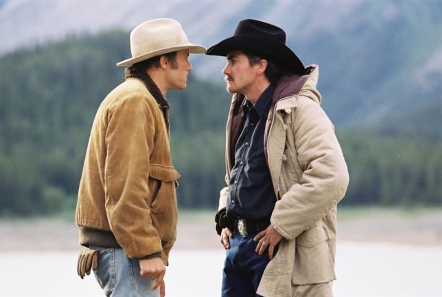 Heath Ledger e Jake Gyllenhaal in una scena da I segreti di Brokeback Mountain