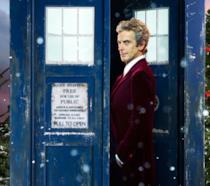 Peter Capaldi davanti al Tardis