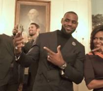 LeBron James e Michelle Obama per il Mannequin Challenge