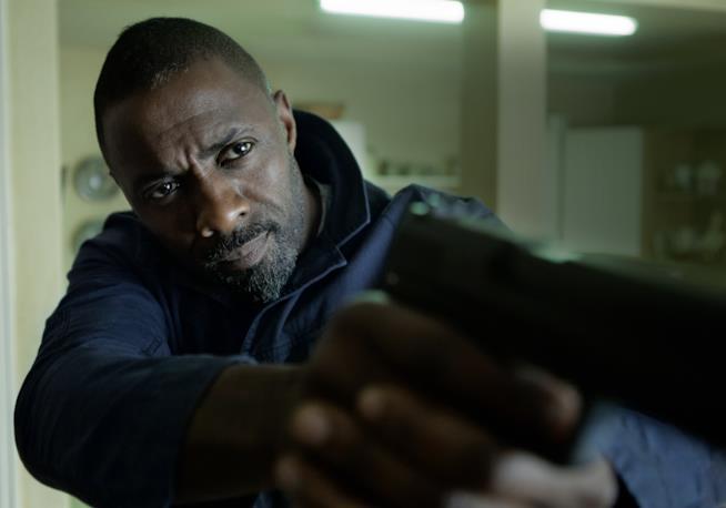 Idris Elba nel ruolo di Sean Briar in Bastille Day