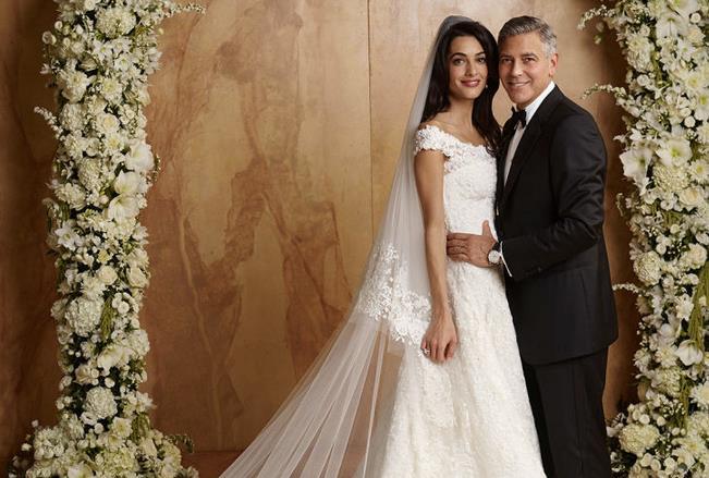 Amal e George Clooney nel giorno del matrimonio