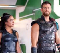 Valchiria e Thor in una scena di Thor: Ragnarok