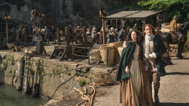 Jamie e Claire in Outlander 2