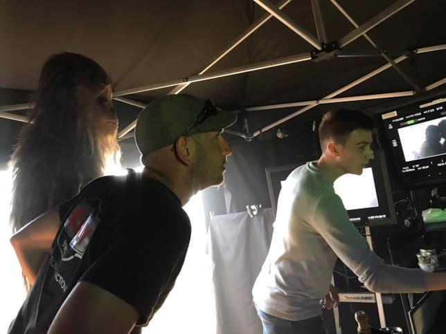 Joonas Suotamo, attore di Chewbacca controlla il lavoro di Ron Howard