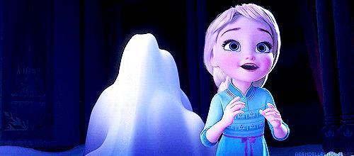 La piccola Elsa in Frozen usa i suoi poteri
