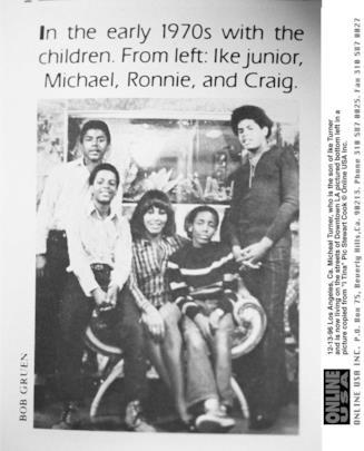 Ike e Tina Turner in una vecchia foto di famiglia