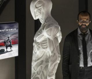 Bernard, uno dei Droni da combattimento e l'Home Video di Westworld 2