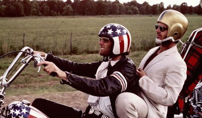 Peter Fonda e Jack Nicholson in una scena del film