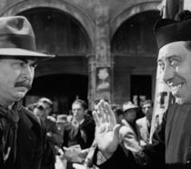 Fernandel e Gino Cervi in una scena di Don Camillo