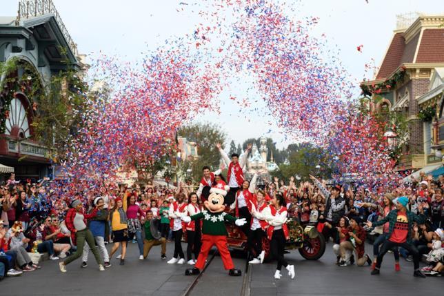 Le parate nei parchi Disneyland