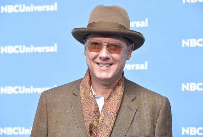 James Spader sorridente agli NBCUniversal